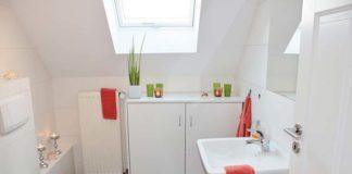 Przepychaczka do toalet – czy jej używanie niszczy rury?