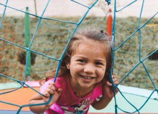 zabawa z dzieckiem na placu zabaw