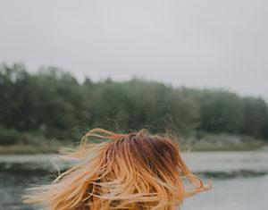Włosy na mikroskórze